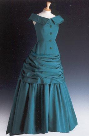 green-gown-unseen1