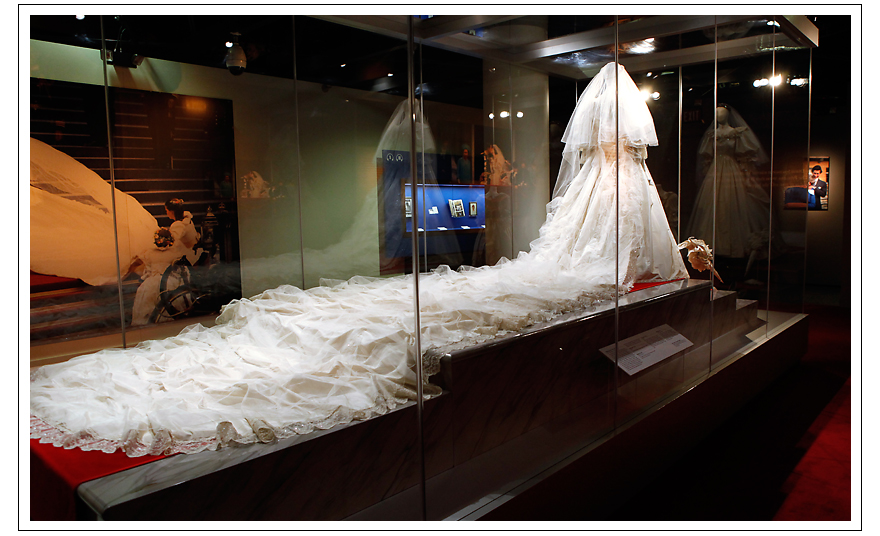 Diana\'s Wedding Gown Train – Princess Diana News Blog \
