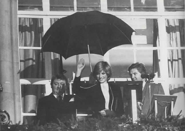 Diana turns on the Christmas Lights Regent Street 1981
