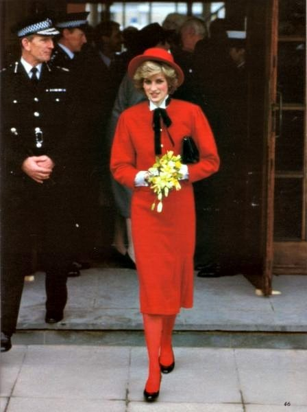Princess Diana arrives at the Cirencester Police Station 1985
