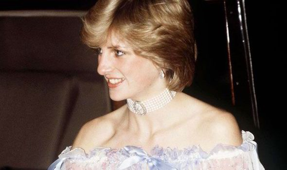 ICONIC PRINCESS DIANA DRESSES BY BELLVILE SASSOON TO GO ONDISPLAY