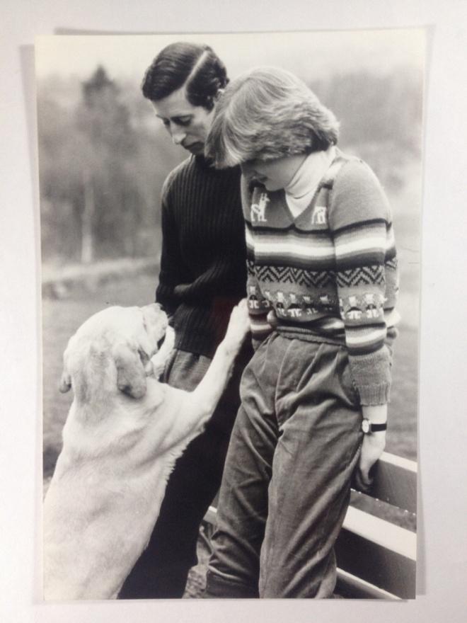 HRH PRINCE CHARLES AND KADY DIANA SPENCER ENGAGEMENT PHOTO February 1981