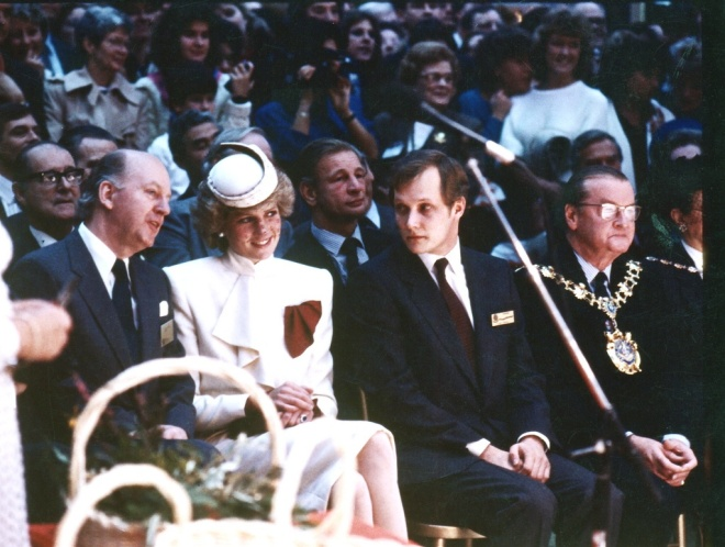 PRINCESS DIANA ATTENDS THE WORLD TRAVEL MARKET OPENING 1985 OLYMPIA LONDON