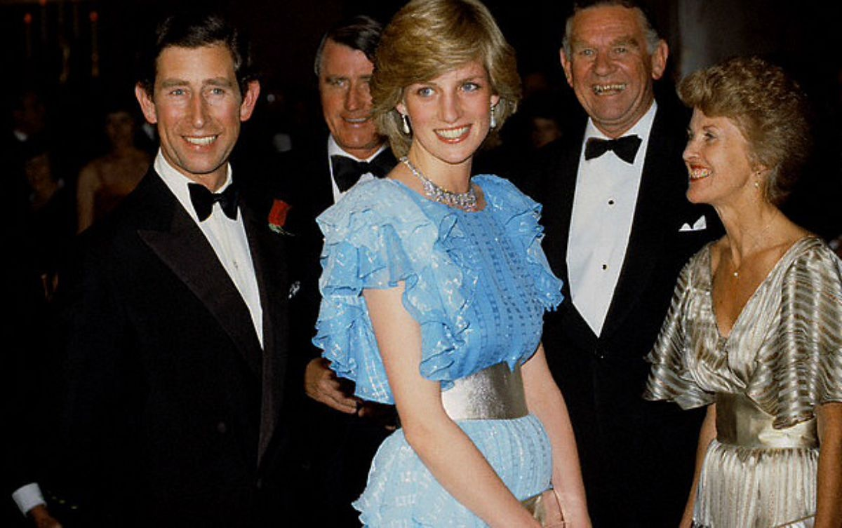 What Diana Wore Day 7 Continued Sydney Australia Wentworth Hotel Ball Bruce Oldfield Shaded Bright Blue Chiffon Gown With Silver Threads And Silver Sash With King Faisal Diamond Necklace Princess Diana