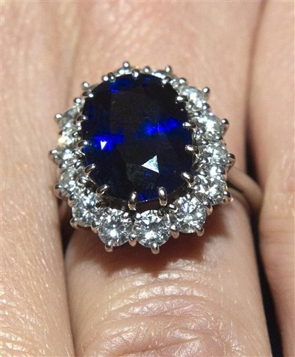 Princess Diana S Engagement Ring Worth 300 000 Pounds Princess Diana News Blog All Things Princess Diana