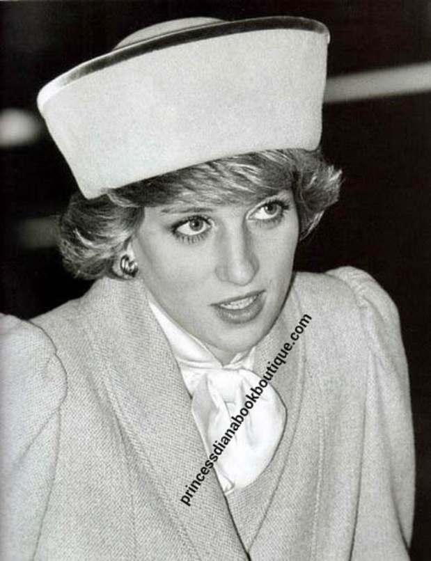 20 JANUARY 1985 PRINCE CHARLES & PRINCESS DIANA ATTEND CHURCH AT SANDRINGHAM