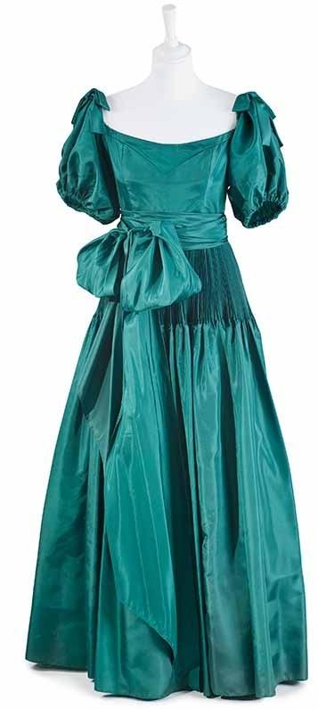 Nettie Vogues dress