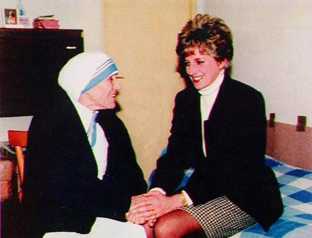 A PRAYER & A KISS SEAL PRINCESS DIANA'S TOUCHING & EMOTIONAL REUNION WITH MOTHER TERESA, 19 FEBRUARY 1992