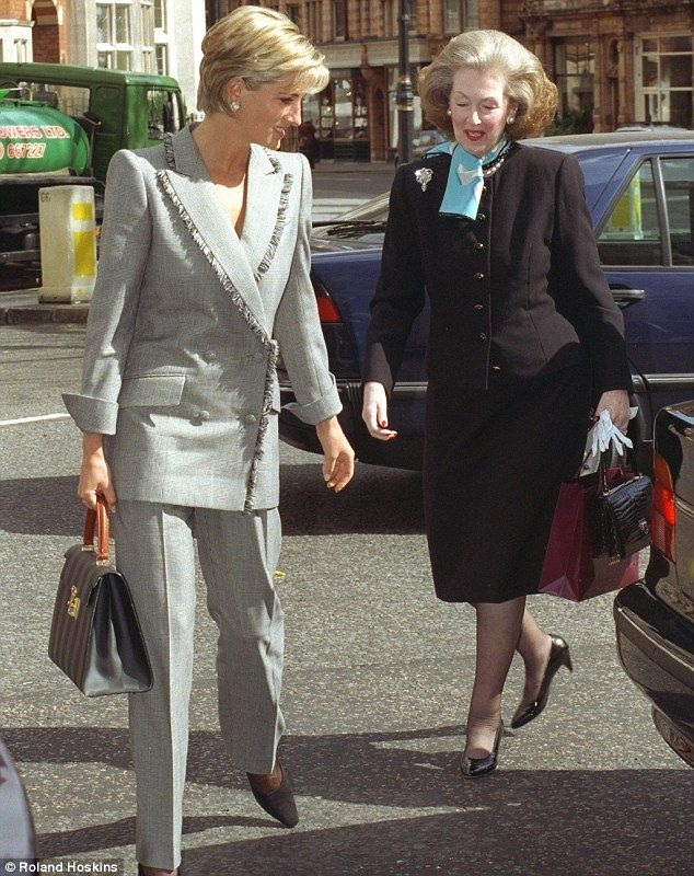 28 MARCH 1997 PRINCESS DIANA LUNCHES WITH RAINE SPENCER HER STEPMOTHER AT THE CONNAUGHT GRILL IN ...