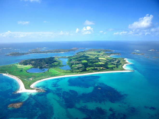 The Isles of Scilly form an archipelago of five inhabited islands and numerous other small rocky islets (around 140 in total) lying 45 km (28 mi) off Land's End.