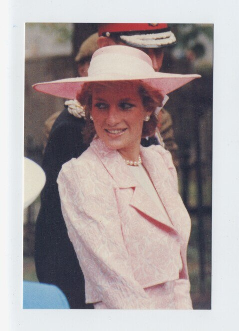 8 JUNE 1989 PRINCESS DIANA RECEIVES THE FREEDOM OF THE BOROUGH OF NORTHAMPTON AS SHE RETURNS TO HER ANCESTRALHOMETOWN