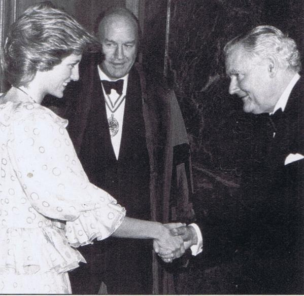 26 JUNE 1985 PRINCE CHARLES AND PRINCESS DIANA ATTEND THE COMMONWEALTH PRESS UNION DINNER TO MARK THE 75th ANNUAL MEETING