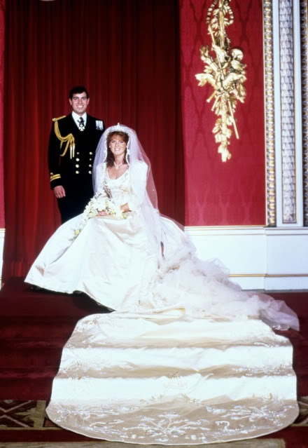 23 july 1986 the prince and princess of wales attend the for Sarah seven used wedding dress