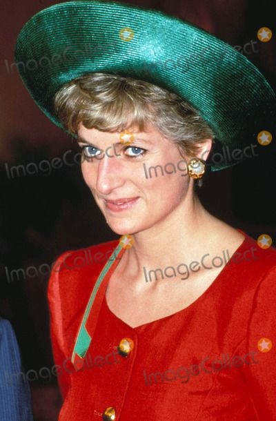 29 JUNE 1992 PRINCESS DIANA VISITS BELFAST TO ATTEND THE OPENING OF THE ASSEMBLY BUILDINGS