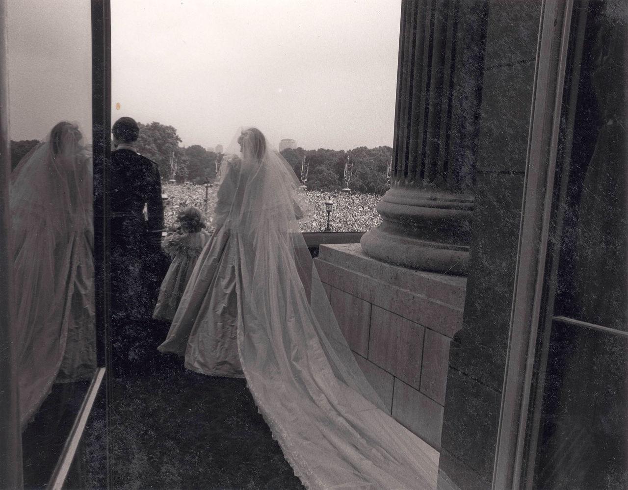Znalezione obrazy dla zapytania patrick lichfield photos dianas